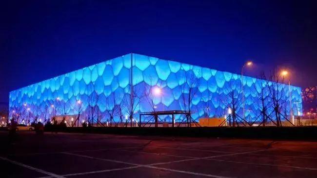 原来建筑会发光!中外那些会发光的建筑是如何做的?